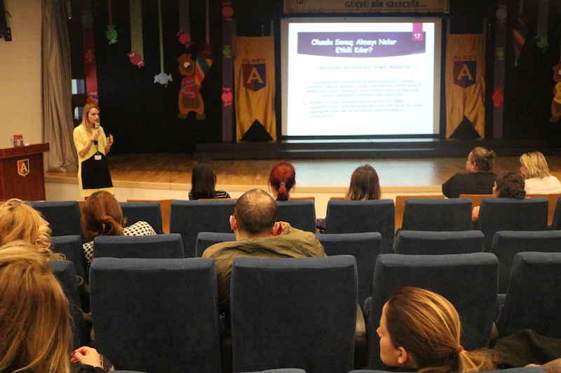 """""""Çocuk Eğitiminde Sınırlar"""" Semineri – Kasım 2016"""